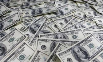 Poco optimistas, los argentinos pasaron del consumo al ahorro